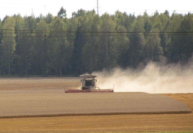 Beloppet på 55 miljoner kronor baseras på böndernas handel med Lantmännen Lantbruk Sverige mellan september-december förra året.