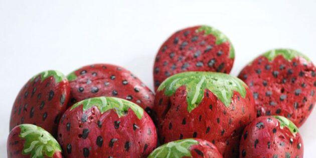 Magiskt trick skyddar jordgubbsplantorna från fåglar!