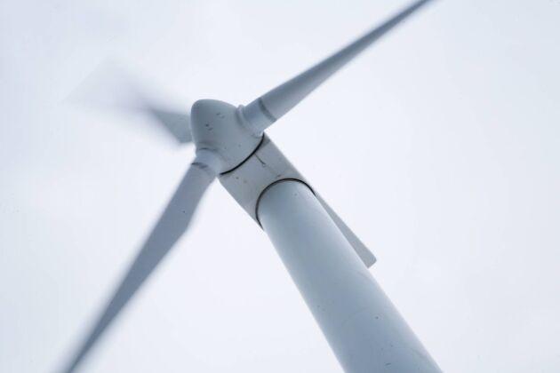 Tre vindkraftsverk av typen Vestas Neg Micon NM52/900 utanför Kiruna säljs på exekutiv auktion. Bilden är tagen på annan plats.