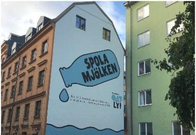 Marknaden för färska mejeriprodukter i Sverige domineras nästan helt av mjölk från svenska gårdar, många av dem jobbar hårt för att minska sin klimatpåverkan, skriver ATL:s ekonomireporter Oskar Schönning.