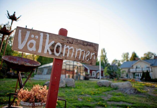 Susanne är också konsthantverkare och driver företagen Front Garden, Arnfridsson Art & Steel och en gårdsbutik.