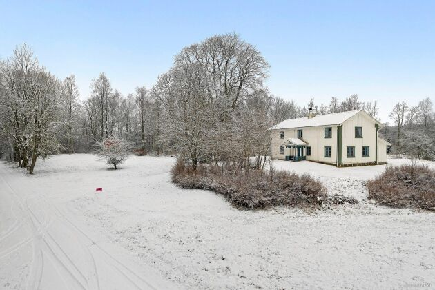 En drömlik villa på Strömma 108 är till salu.