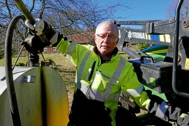 – Traktorn går faktiskt lite bättre på HVO, säger Carl Jonson - men ekonomin blir lidande.