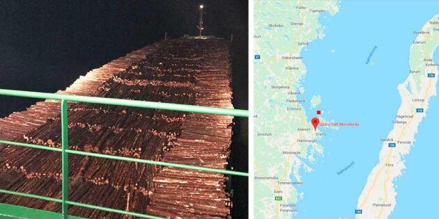 Fartyg med massaved på grund i Kalmarsund