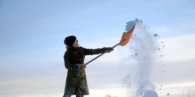 Fram med skyffeln – nu drar första snön in
