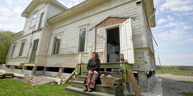 Jette flyttade sin grosshandlarvilla 90 mil – på pråm