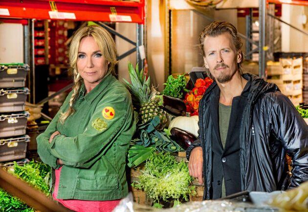 """Anne Lundberg och Paul Svensson är programledare i Sveriges Televisions serie """"Maträddarna""""."""