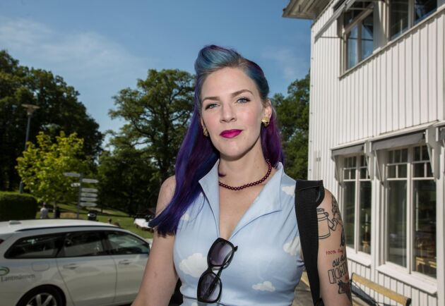 LRF Ungdomens ordförande Emilia Astrenius Widerström, är ansvarig för den insamlingsbössa som föreningen startat.