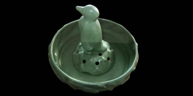 Vad gör pingvinen med alla hålen?