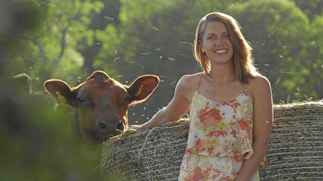 Mjölkbonden Susanna Karlsson ägnar all fritid åt showdans och skådespelande.