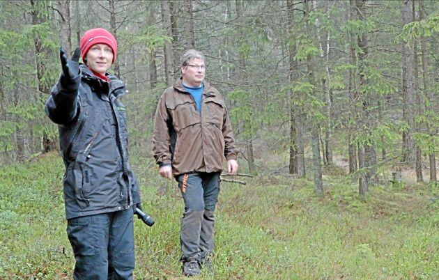 Möter motstånd. Maria Lennartsson, Södra, och Lars Börjesson, tätortsnära skogsägare utanför Göteborg, möter stort lokalt motstånd mot året avverkningar.