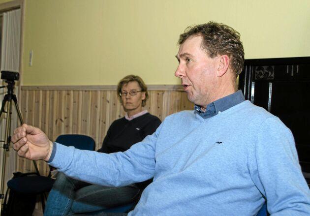 Stefan Gård, ordförande i Sveriges Mjölkbönder, har meddelat Arla att han kommer att börja splitleverera. Om fyra månader kommer Wermlands Mejeri att hämta varannan dag hos honom och tre andra gårdar i trakten.