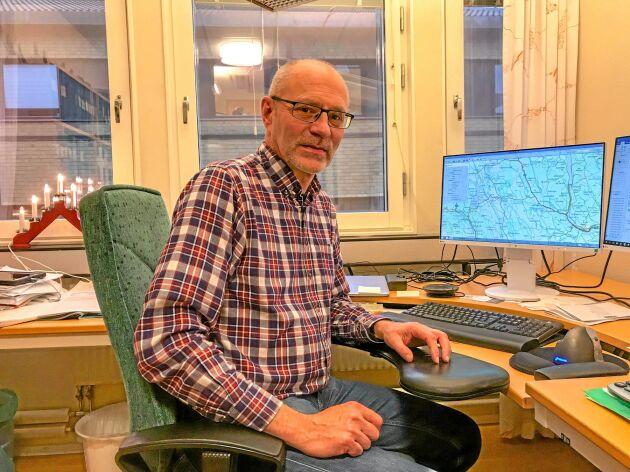 – Stammen av kronhjort i Skåne har ökat stadigt de senaste tio åren och nu har vi rejält med skador, säger Stig Hermansson.