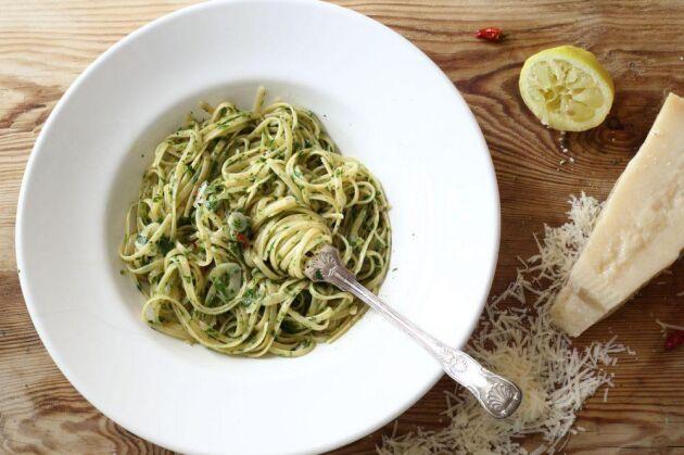 Pasta med vitlök och olja, fantastiskt gott! Och så enkelt! Här är receptet!