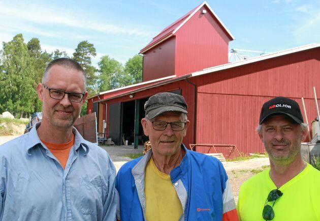 Tobias, Sune och Håkan Johansson berättar om sin nya torkanläggning på Åby Gård.