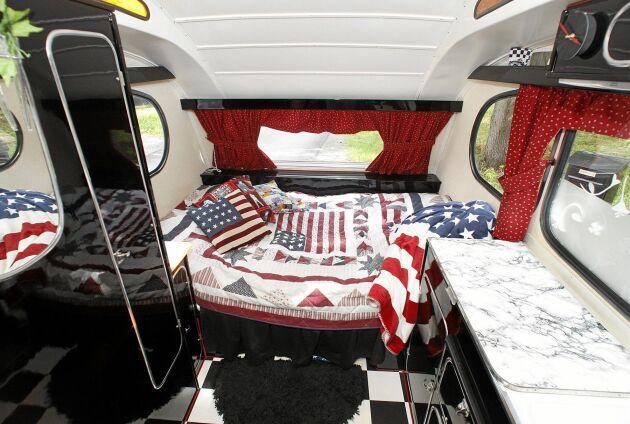 I husvagnen finns mycket amerikanskt som tagits hem från Florida.