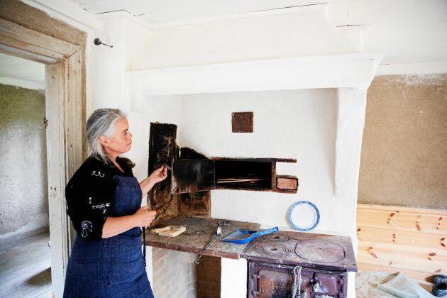 Nästa projekt - en gammal bagarstuga som hon och maken Ola har börjat renovera.