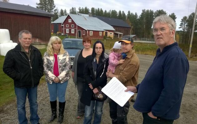 Arne Eriksson, Christina Lindskog, Sara Staaf, Anna Normark, Simone Normark (barn) Jannek Normark, Monica Lundgren Roland Falkensson upprörs av den nya stödområdesindelningen.