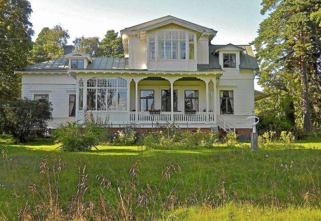 Villa Solbacken, byggt cirka år 1880, har blivit utsett till Sundsvalls vackraste hus.