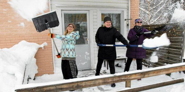 Godhjärtade snöskottare blev räddningen för äldre – möttes av glädjetårar