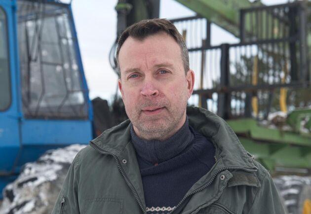 Johan Nordh har byggt en konceptmaskin för att visa hur en framtida skogsmaskin skulle kunna se ut.
