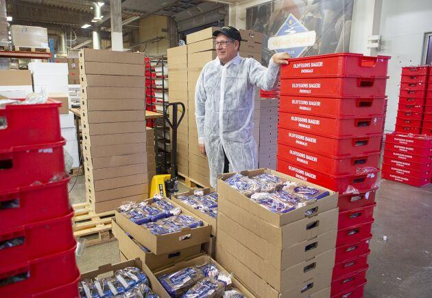 Olofssons bageri bakar även 7000 limpor i månaden åt en finsk firma.
