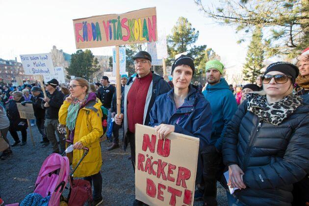 Ingela Lindqvist var en av 2000 personer som demonstrerade mot planerna på skolnedläggning i Luleå.