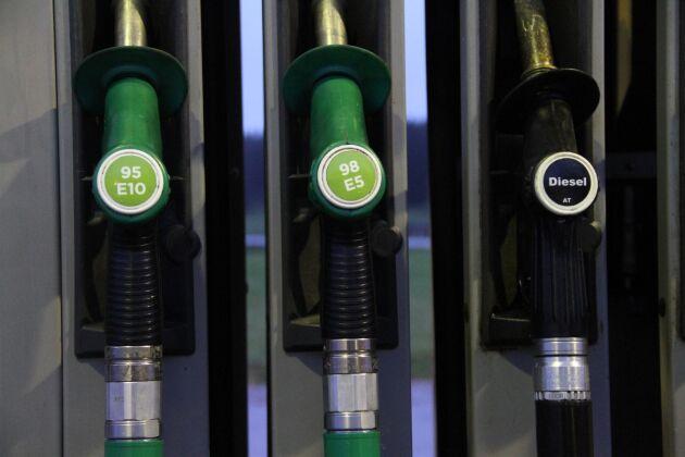 Nedgången på oljemarknaden leder till ytterligare sänkta priser.