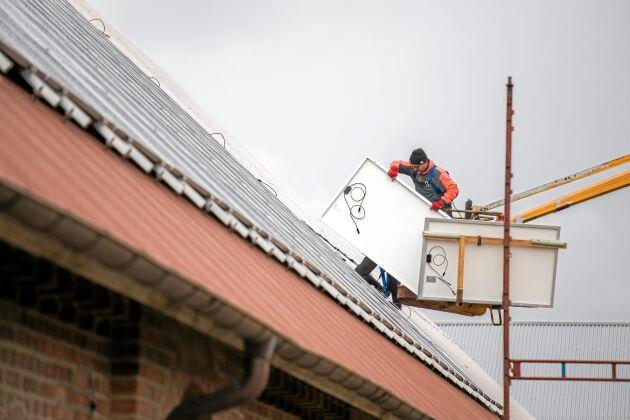 Solenergibranschen upplever att intresset för att installera solenergianläggningar på lantbruken ökar.