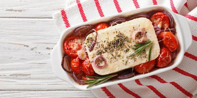 Ljuvlig sommarlunch! Bakad fetaost med tomater och färsk oregano
