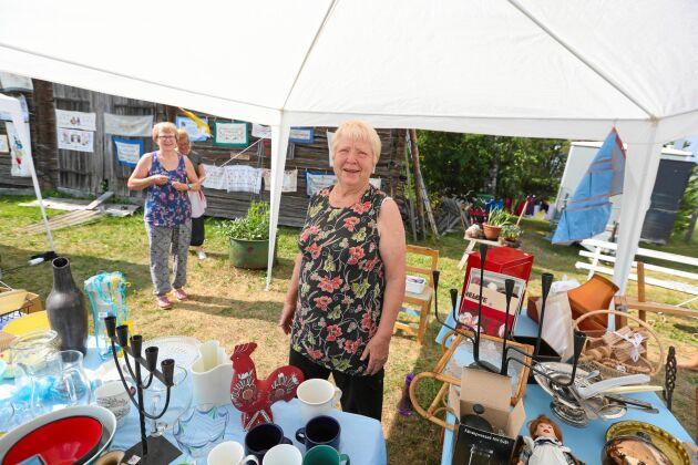 Gunvor Jernberg bor i Uppsala men har rötterna i byn Vitå där hon också har sitt sommarställe. Tillsammans med Ida Jonsson var hon en av initiativtagarna till det som torde vara en av Sveriges till ytan största loppisar.