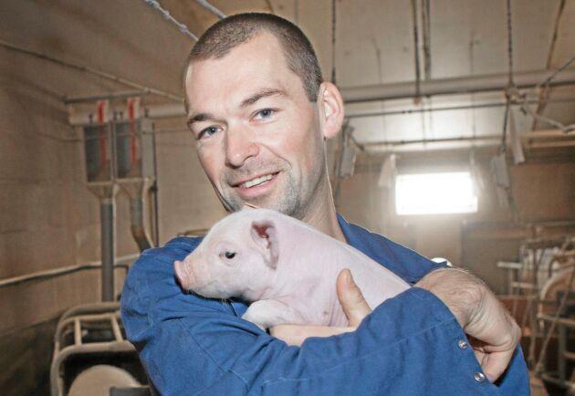 """""""Jag tycker om att jobba med grisar eftersom det är en innovativ sektor, branschen tar tag i problemen och löser dem,"""" säger Bart Vergote."""