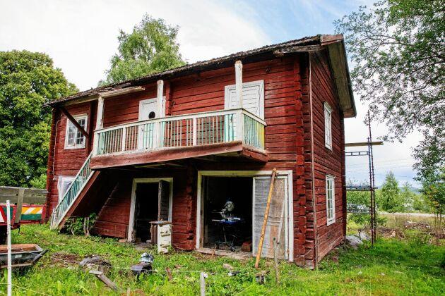 Kanske blir det gästrum och en gårdsbutik i den gamla bagarstugan när den är färdigrenoverad.
