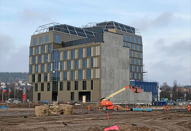 Våren 2021 flyttar Jordbruksverket in i sitt nya kontor vid Munksjön i Jönköping. I den lägre delen som är närmast i bild kommer även Skogsstyrelsen att sitta. Byggnaden blir totalt nio våningar.
