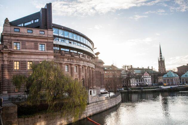 Riksdagen ska debattera äganderätten nästa vecka.