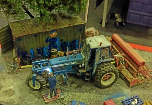 Modeller finns till salu på mässan i Zwolle och det pratas mycket om priser. Diskussionerna kan nästan liknas det som förekommer om priser på maskiner i stor skala.