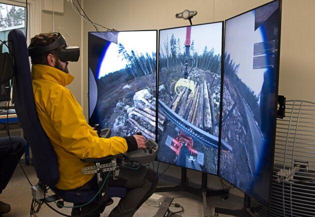 Skotaren kan både gå själv och köras på distans, här i en teknikbod ett hundratal meter från maskinen.
