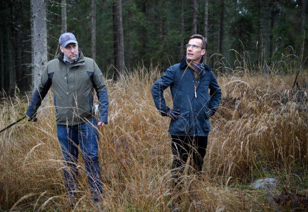 M-ledaren Ulf Kristersson och partiets skogspolitiske talesperson John Widegren.