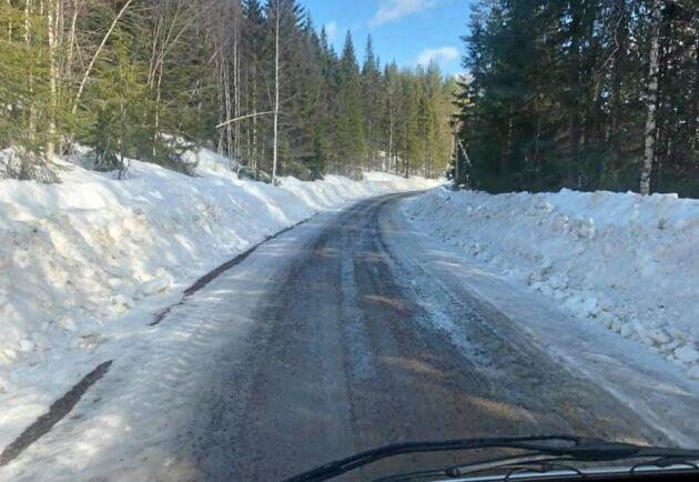 I vissa delar av landet ligger vårbruket ännu en bit fram i tiden. Så här såg det ut i norra Värmland förra veckan.