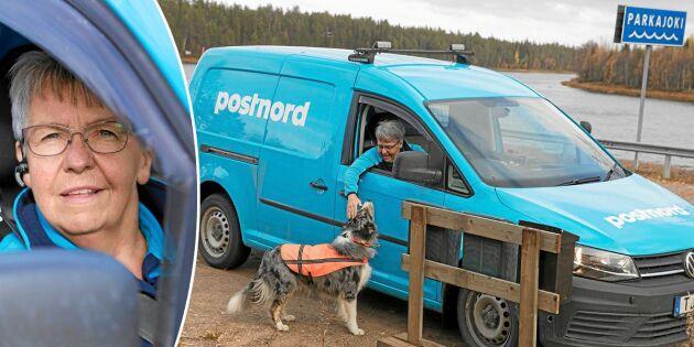 """Lantbrevbäraren Maria har Sveriges längsta posttur: """"Bilen rullar i alla väder"""""""