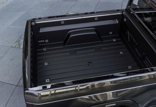 Pickupen ska klara en last på 2,2 ton mer än dubbelt så mycket som konkurrenten Rivian Automotives R1T.