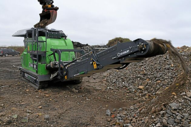 Evoquip Bison 120 krossar sten och rivningsmassor med upp till 80 ton i timmen. Vikten på 12 ton gör den lätt att flytta.