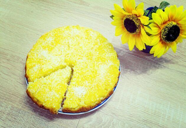Ananaspaj är en solig dessert som piggar upp.