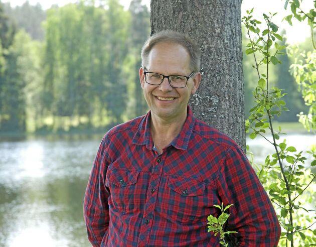 Leif Öster, Land Skogsbruks krönikör.