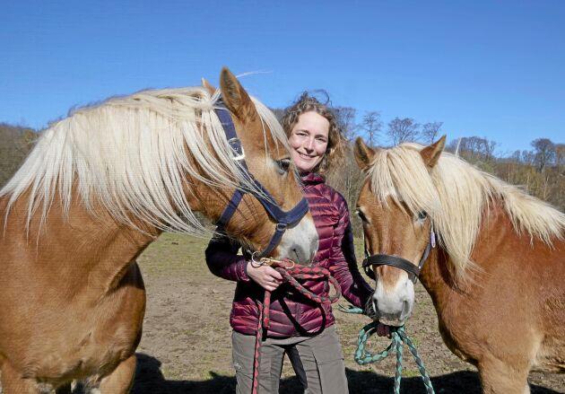 Spjutspetskandidaten Anna Lewijn driver Söderåsens turridning på i Ljungbyhed i nordvästra Skåne. Genom att våga att både ta hjälp och att ta betalt för det hon erbjuder har hon byggt upp en lönsam verksamhet som fortsätter att växa. Men även coronapandemin har gett en extra skjuts.