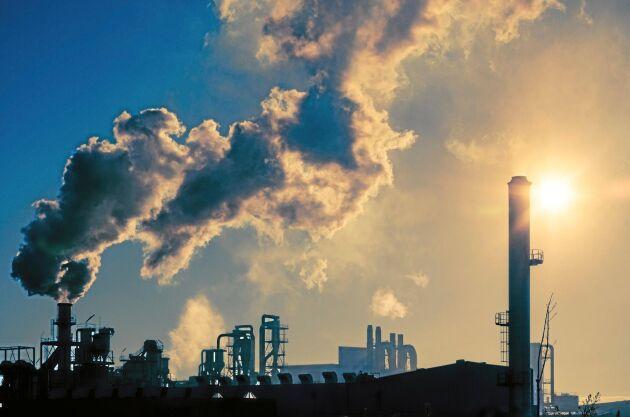 Utan nedskärningar av koldioxidutsläpp och andra växthusgaser kommer vi att nå farliga temperaturökningar i slutet av detta århundrade, enligt WMO.