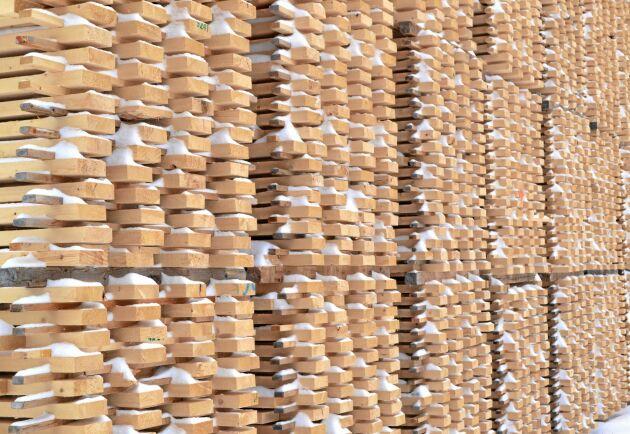 Trots minskad volym ökade värdet på skogsexporten ifjol med drygt 9 procent, till totalt 145 miljarder kronor.