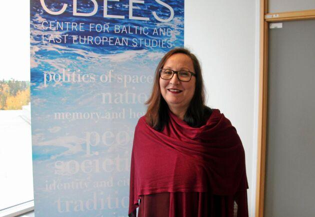 Paulina Rytkönen, lektor i företagsekonomi och docent i ekonomisk historia vid Södertörns högskola, har forskat på mejerinäringen under många år. I ett pågående projekt studeras hur mejerikooperativ i östersjöregionen utvecklats under åren 1989-2018.