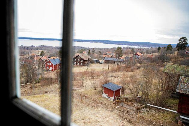 Från huset har de fri sikt över bygden, Siljan och himlavalvet.