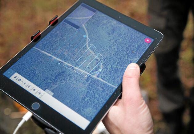 Mosaik. Genom att rita upp ett område på en karta kan man få drönaren att kartlägga det och skapa en så kallad ortomosaik där många bilder sammanfogas.